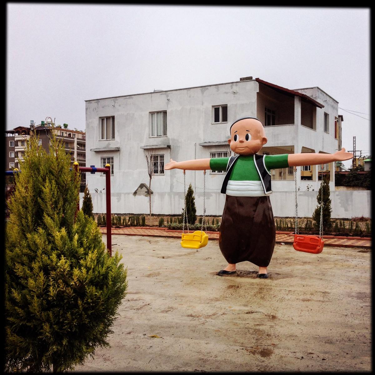 New playground in Reyhanli, Mieke Strand